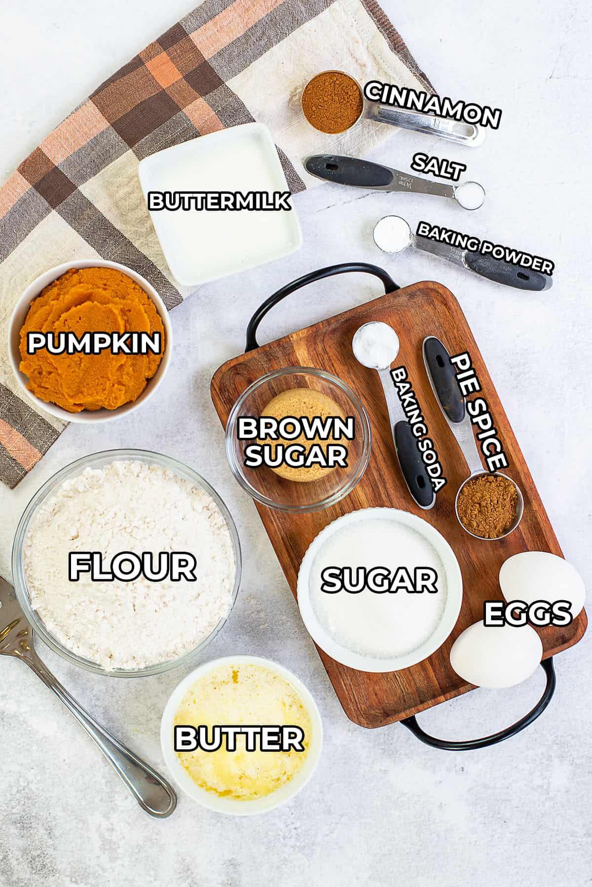 mini pumpkin muffins ingredients.