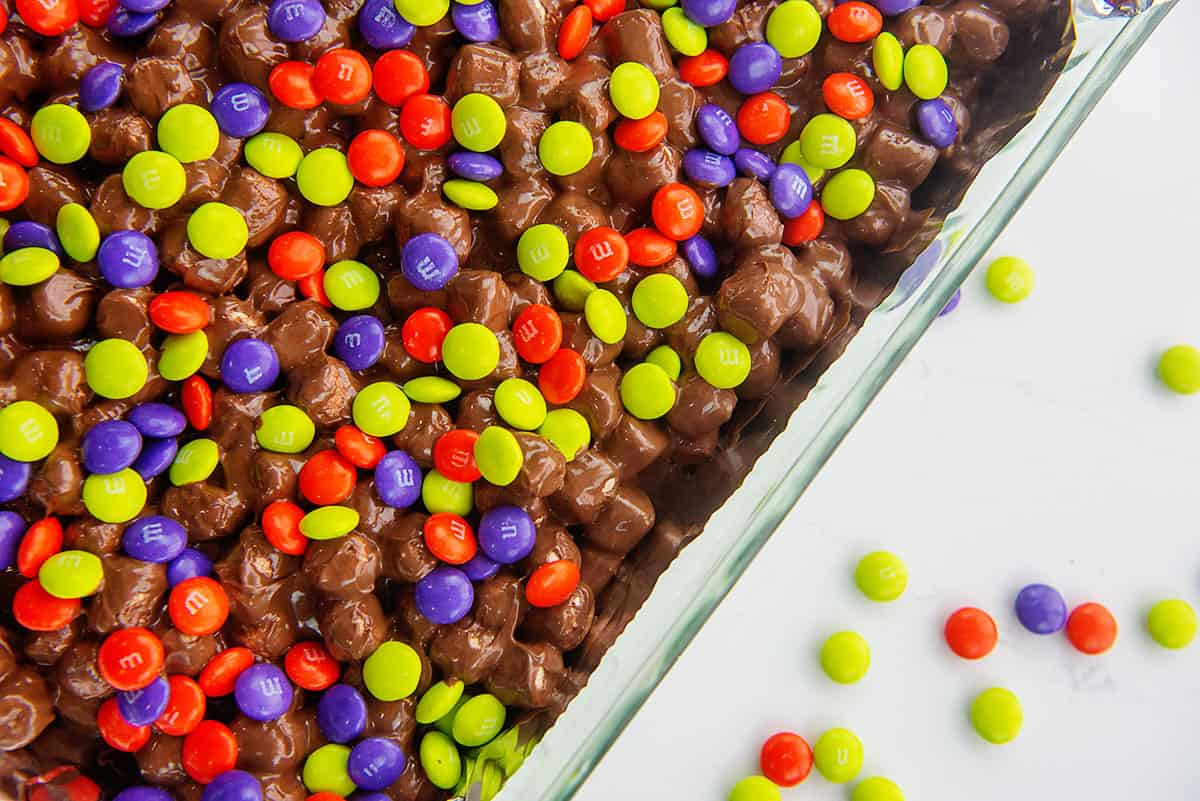 Halloween candy bars in 9x13.